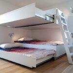 откидная кровать в шкафу фото оформление