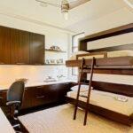 откидная кровать в шкафу фото дизайна