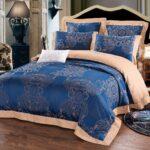 красивое блестящее сатиновое постельное белье