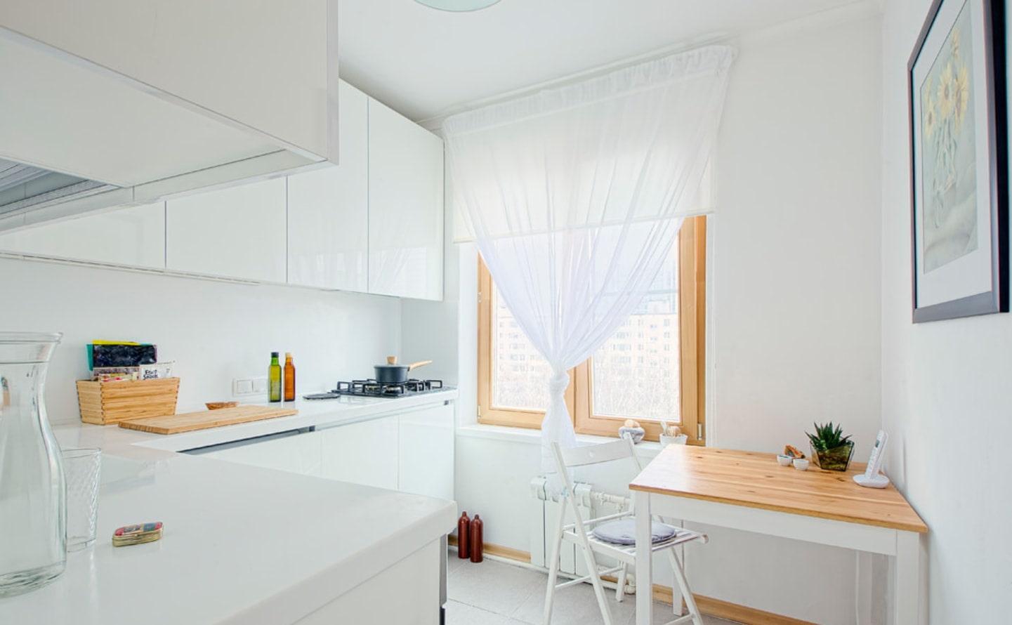 белая гардина для кухни