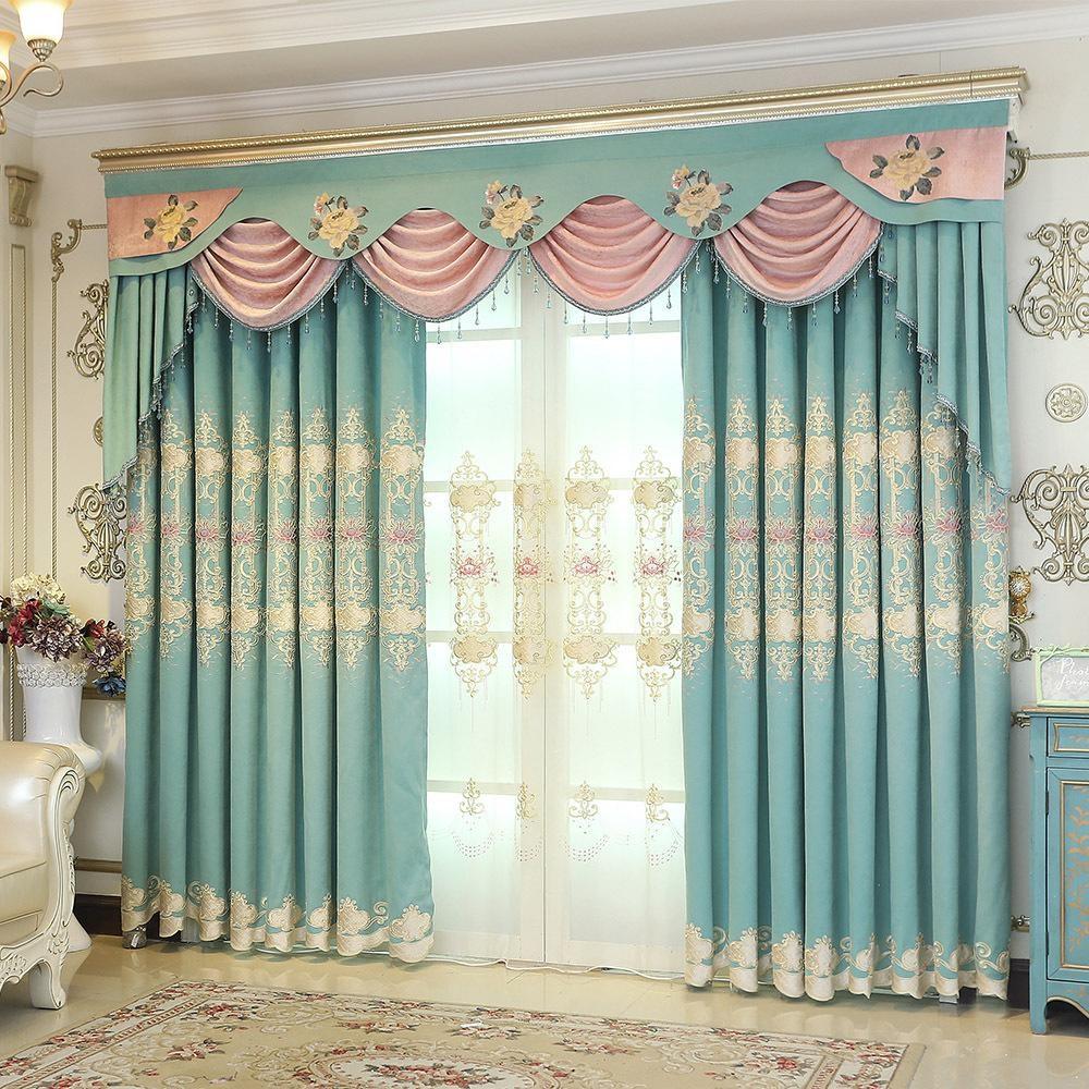 цветные шторы в гостиной