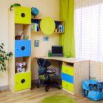 детский стол цветной
