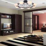 мебель венге с полосатым ковром