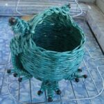 шкатулка плетеная голубая