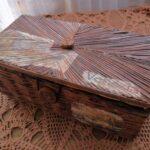 шкатулка плетеная из газет коричневая