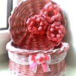 шкатулка плетеная розовая