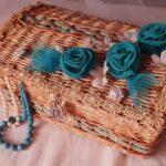 шкатулка плетеная с розами