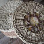 шкатулка плетеная круглая серая