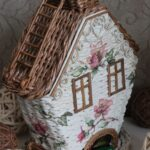 шкатулка плетеная домик