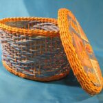 шкатулка плетеная желтая