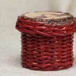 шкатулка плетеная красная