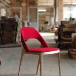стул деревянный красный