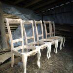 полусобранные стулья без сидений