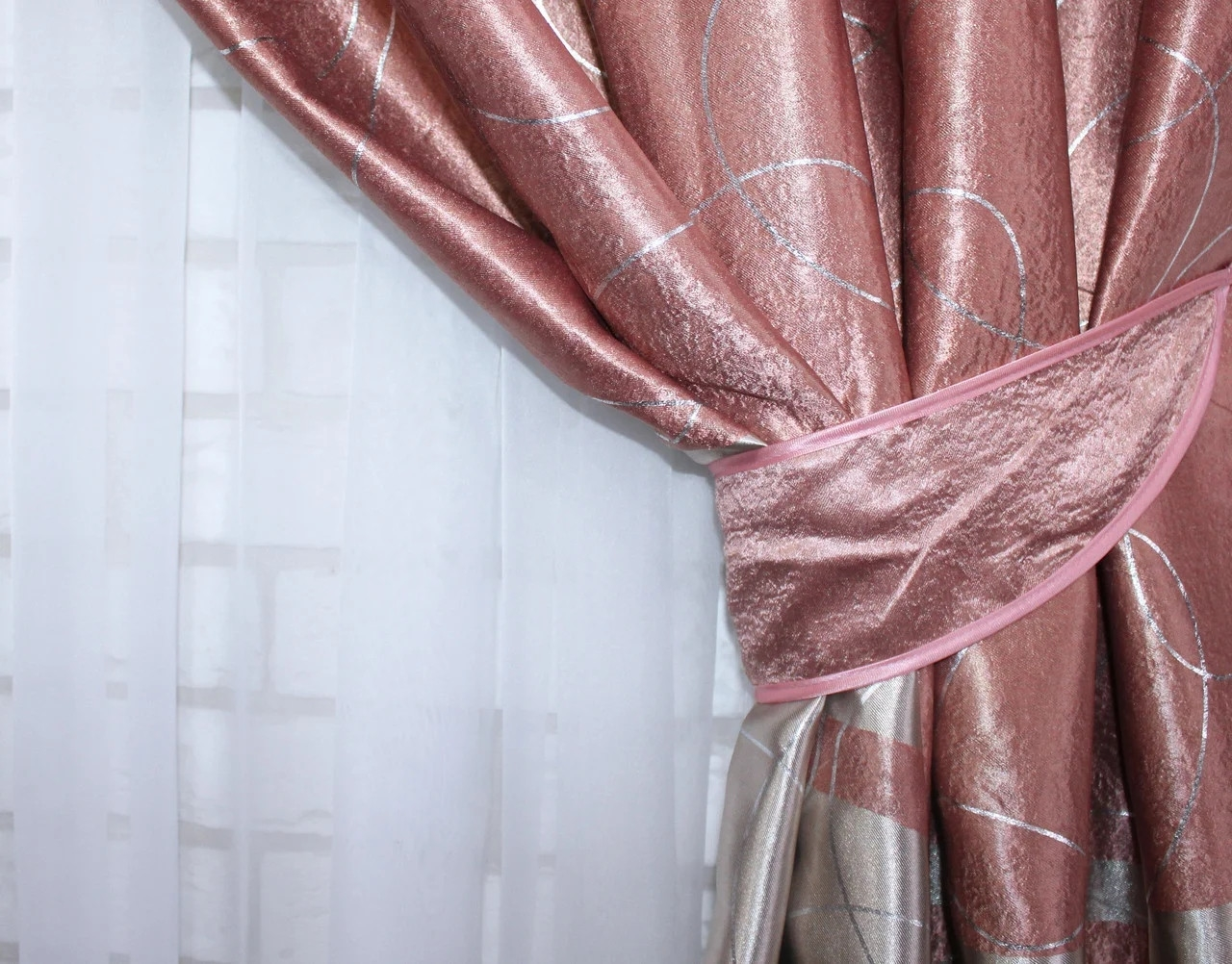 плотная штора