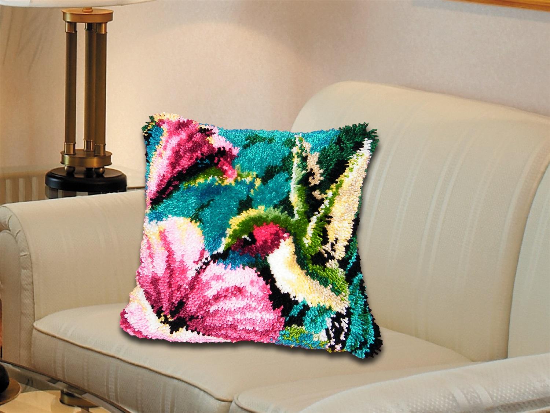 ковровая вышивка в доме
