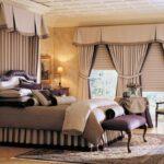 спальня с красивыми шторами