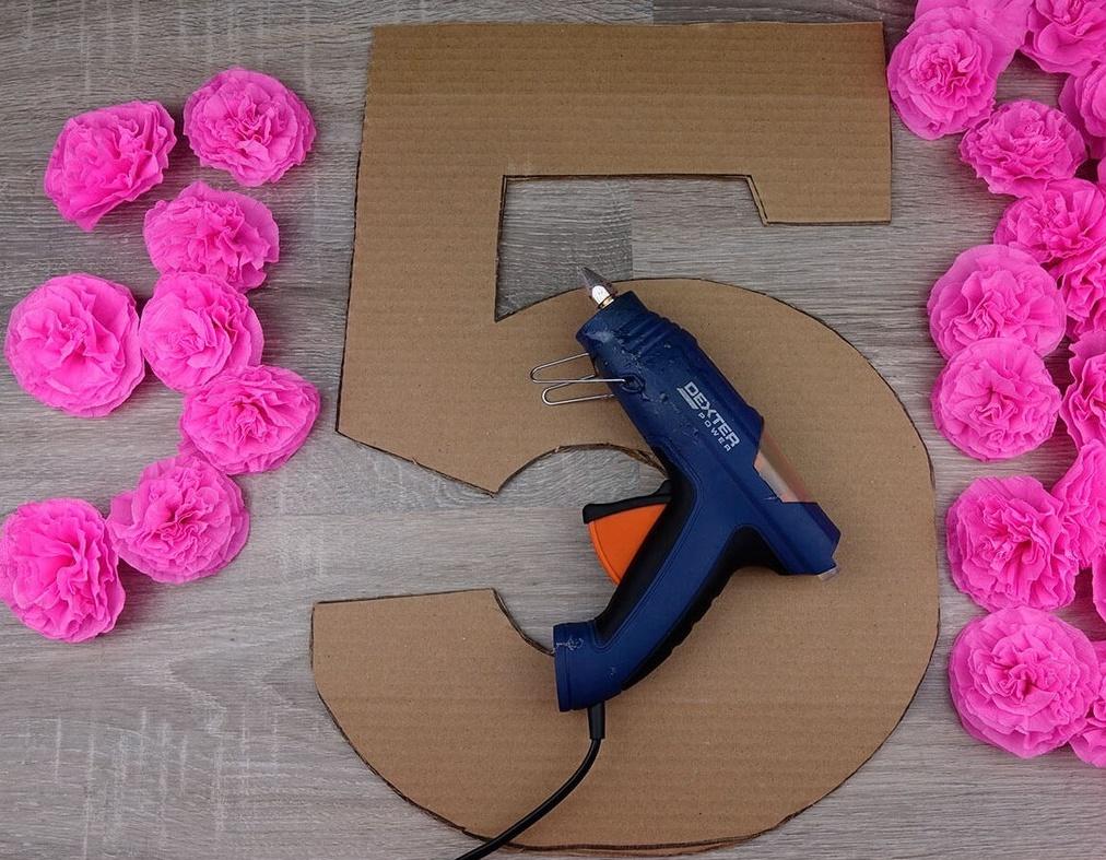 как клеить цветы на цифру