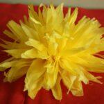 желтая хризантема из салфеток