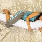 подушка-валик: как правильно спать