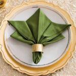 салфетка зеленая лилия