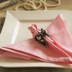 розовая салфетка с зажимом