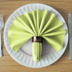 оформление тарелки салфеткой