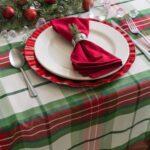 бант-салфетка на новогоднем столе