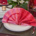 розовый веер из салфетки
