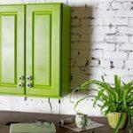 зеленый навесной шкаф