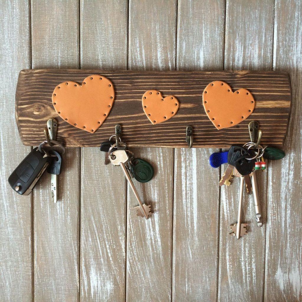 ключница с милыми сердечками