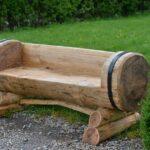 простая скамейка на участке