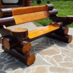 лакированная скамейка из бревна