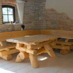 куда и как поставить мебель из дерева