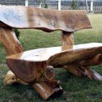 процесс изготовления скамейки из бревна