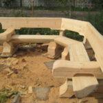 полукруглая садовая скамейка