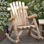 необычный стул из дерева