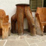 необычный столик и кресла