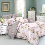 белое постельное с цветами