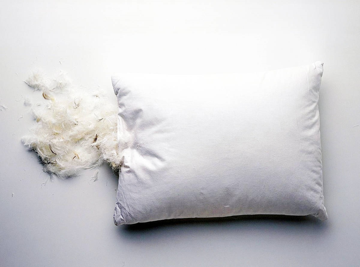 как стирать подушку