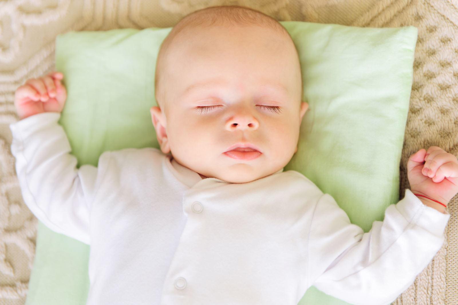 жесткость подушки для новорожденных